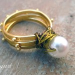 DIY Patterned wire pearl ring