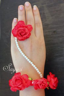 paper rose bracelets
