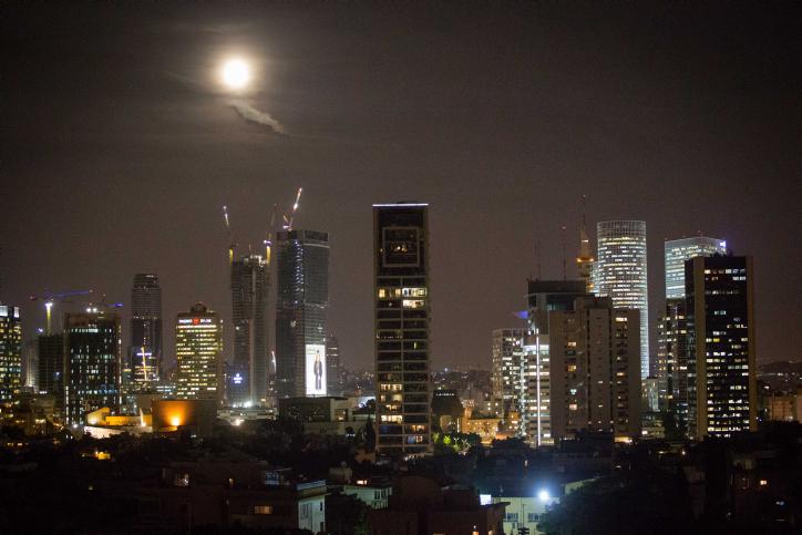 Supermond über Tel Aviv (Foto: Miriam Alster/FLASH90)
