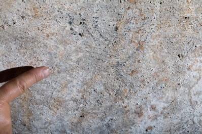 https://i2.wp.com/www.jewishpress.com/wp-content/uploads/one-of-the-menorahs-drawn-in-cistern-at-al-Aliliyat-cliffs-near-Mukhmas-Boaz-Langford.jpg?resize=398%2C265&ssl=1