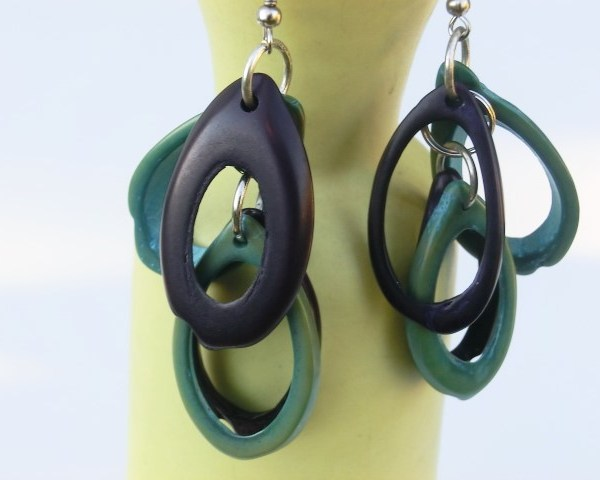 jeyjetter.com: Earrings from Mallorca Handmade from Natural Material