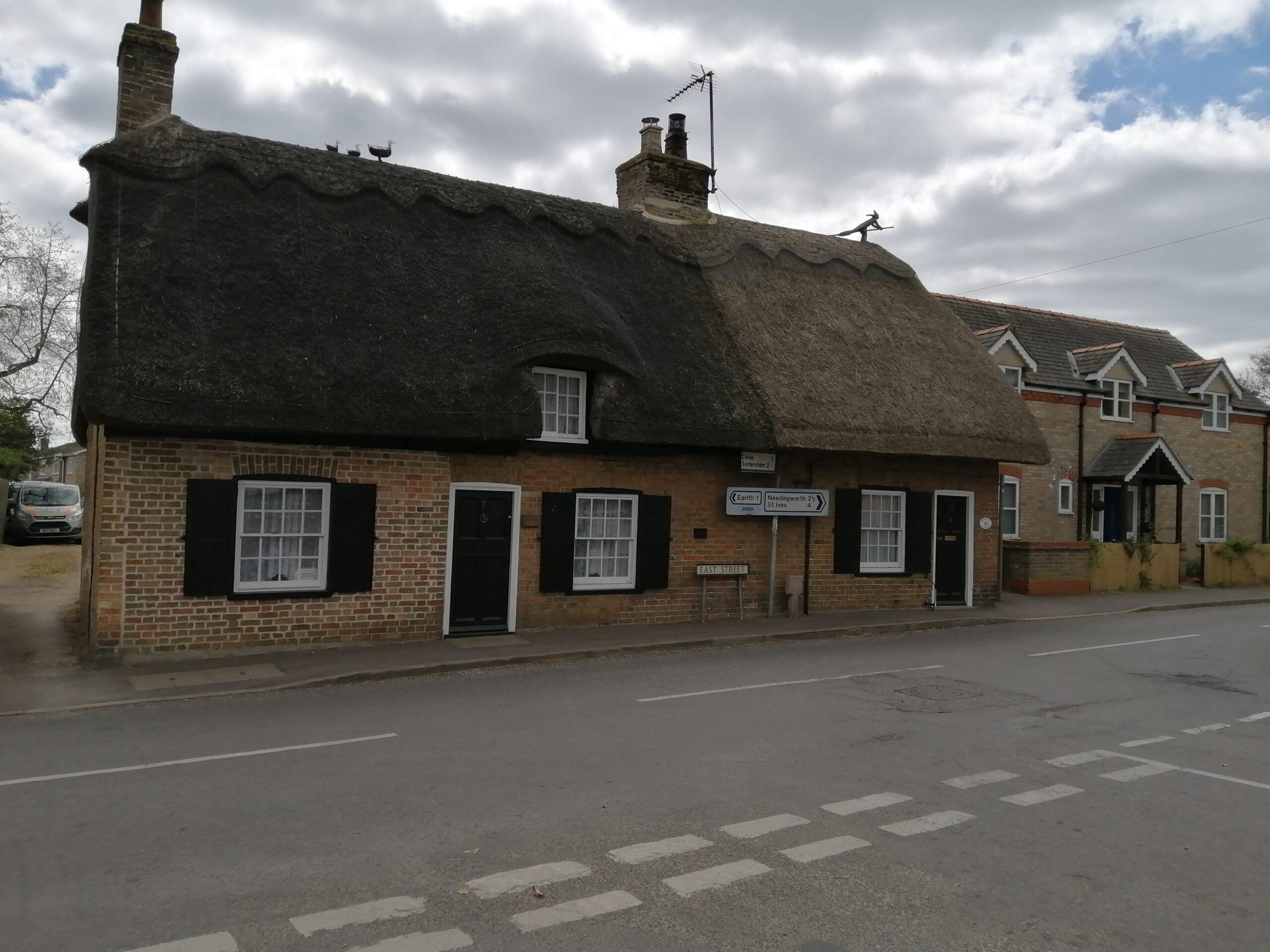 Thatch roof art in Bluntisham