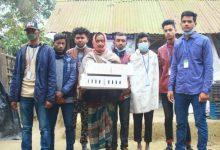 "Photo of ঝিনাইদহে অসহায় পরিবারের পাশে ব্যতিক্রমী সংগঠন ""হেল্পিং সেন্টার"""