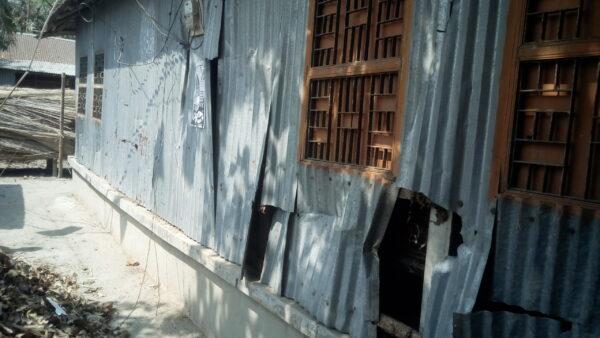 শৈলকুপায় আওয়ামীলীগের দুগ্রুপের সংঘর্ষ আহত ৪: বাড়ি ঘর ভাংচুর
