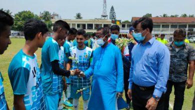Photo of ঝিনাইদহে বঙ্গবন্ধু-বঙ্গমাতা জাতীয় গোল্ডকাপ ফুটবল টুর্নামেন্ট'র (অনুর্ধ্ব-১৭) উদ্বোধন