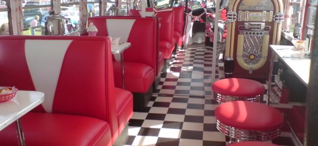 Behind the Scenes at Jibunu – Kenny's Diner