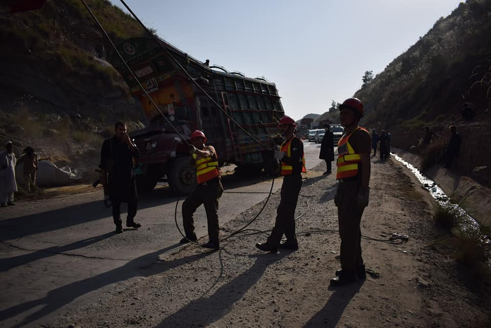 Recovery Crane Rescue 1122 Pakistan at Work | Javaid Industrial Company Pvt Limited
