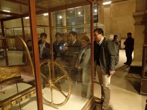 checking the condition of the chariot