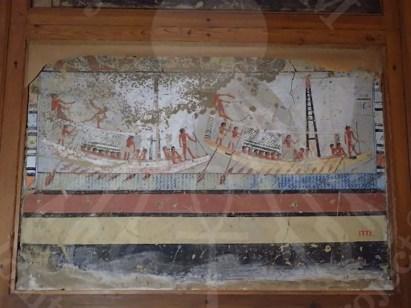 أحد النقوش الجدارية التي تم نقلها الى المتحف المصري الكبير