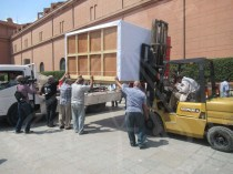 preparing for the transportation of the bed and the chariot