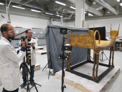 technical imaging of the king's third bed