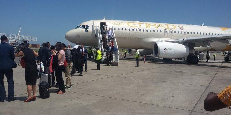Etihad Airways suspends flights