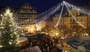 "Germany: Muslim migrant screaming ""Allahu akbar"" and waving hatchet threatens people at Christmas market"