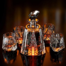 Why use a decanter for whisky -  Best Aztec whiskey decanter and glass set