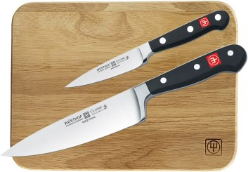 Wusthof classis high steel knife with cutting board