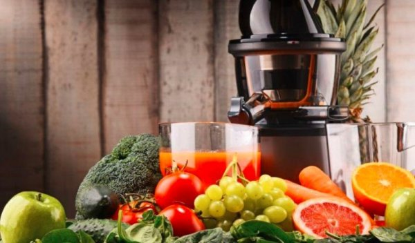 HOW DO JUICERS WORK 1 how does a Hydraulic press juicer work