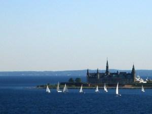 Kronborg Cowl: Boats, water, palace