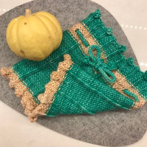 Messy-Bun Hat Recipe in Anzula Cricket