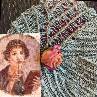 Online Studio Chats: Inspiration. Unblocked hat, post card & dried rose