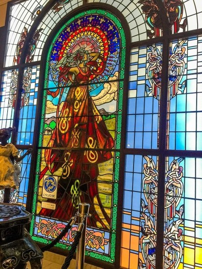 jim fitzpatrick, bewleys of grafton street, stain glass window,