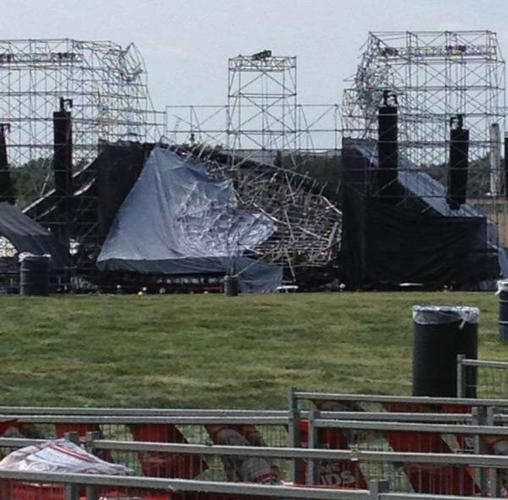toronto-stage-collapse-radiohead