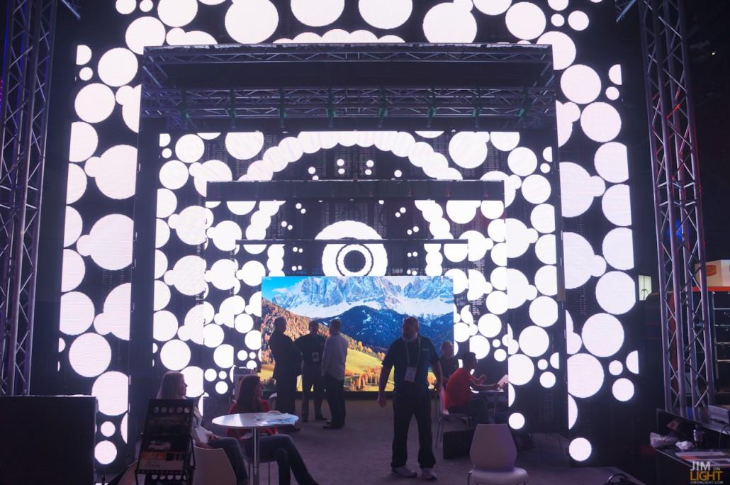 ldi2014-jimonlight-showfloor-196