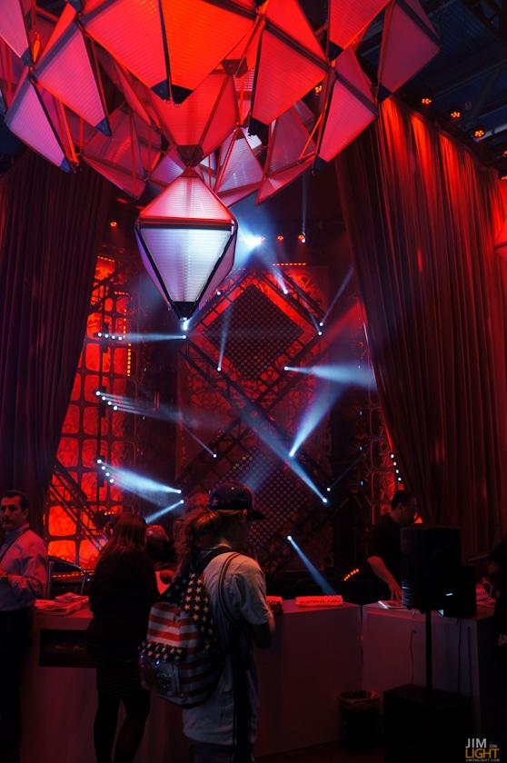 ldi2014-jimonlight-showfloor-30