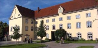 Klášter Holzen je výborným místem pro odpočinek poutníků.