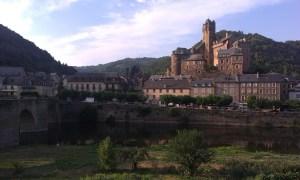 Francouzský hrad v Espalionu cestou do Santiaga de Compostela