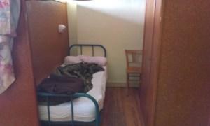 Poutní ubytovna v Le Puy s minimálním soukromím