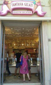 Prodejna zmrzliny v italské Neapoli