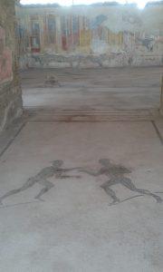 Posilovat a cvičit se v Pompejích chodilo do této tělocvičny pod Vesuvem