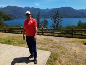 Průvodce Ricardo po vulkánu Mocho Chosuenco.