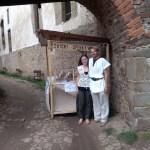 Oživení historie hrad Točník, Středověké tržiště, dobové tržiště, svíčkařská dílna, svíčkař, svíce, svíčka, vosk, šperky, svíčky, středověk, středověké tržiště