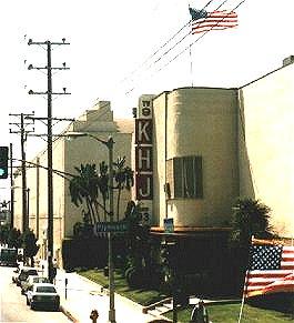 93KHJ studio in Los Angeles 5515 Melrose Avenue Hollywood - foto Bob Gilmore