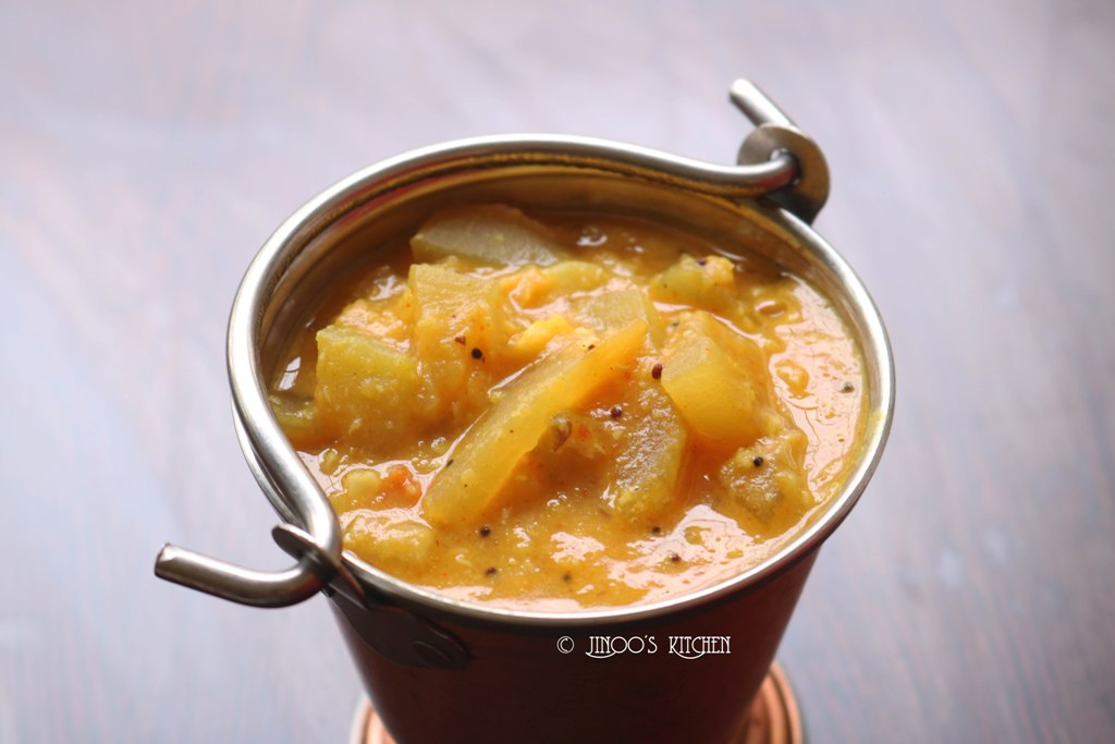 Sorakkai Kootu   Bottlegourd kootu recipe   Lauki and moong dal curry
