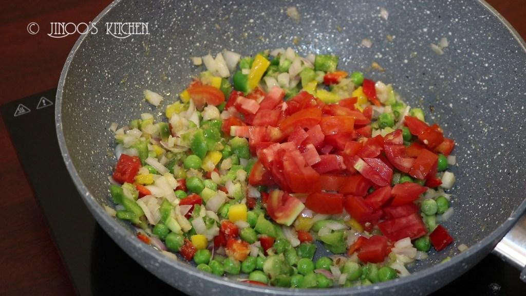 Hotel style Vegetable Kurma for chapathi
