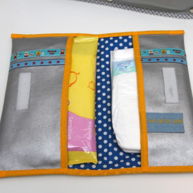 Luieretui zelf maken Jip by Jan tutorial Diaper and wipes holder