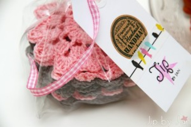 Handmade gifts, giftwrapping and crochet Jip by Jan