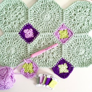 Crochet pattern Embracing Granny blanket (US/UK)