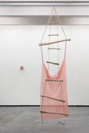 "Kateřina Vincourová, ""Torso"", 2010-11, Courtesy der Künstlerin und Fait Gallery, Foto: Martin Polák"