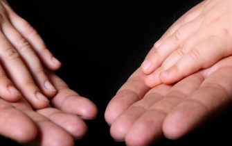 Hands / Dreamstime