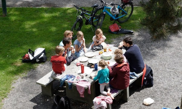 08 Outdoor activities to keep your family healthy