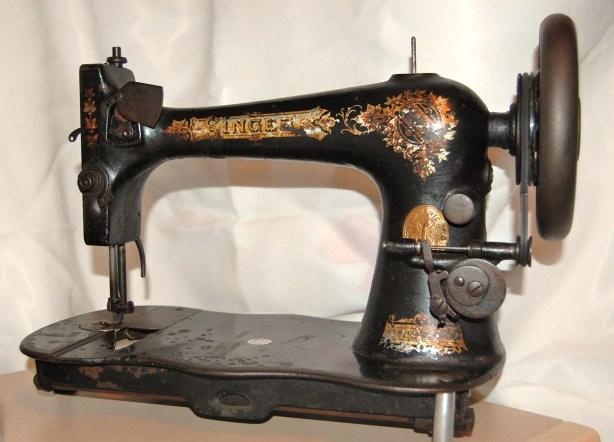 antique vintage singer sewing machine