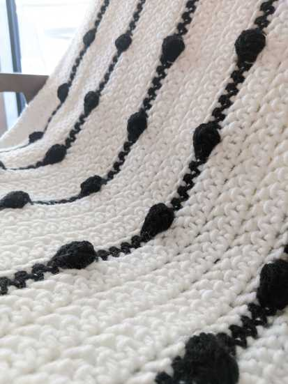 Crochet blank and white blanket