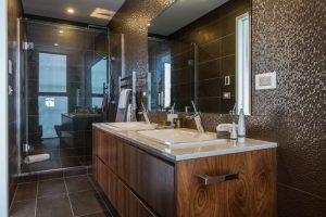 Sprott Rd, Bathroom 2