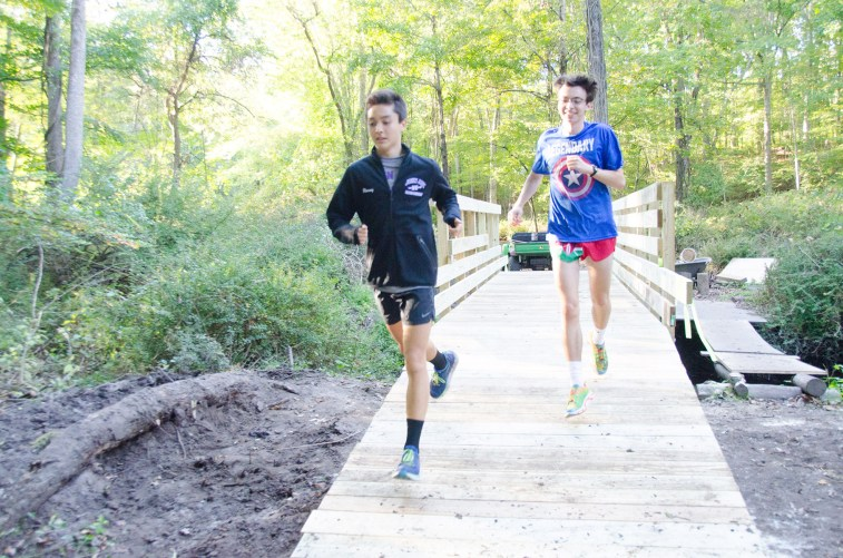 Some of the first runners over bridge #1.