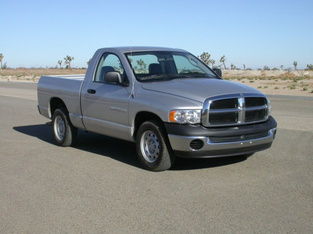 2005_Dodge_RAM_1500_2-door_pickup_--_NHTSA_01