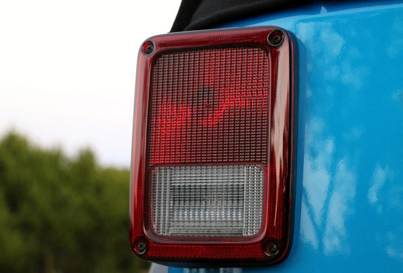 2016-jeep-wrangler-unlimited-rubicon-hard-rock-jk-forum-review-photos-007