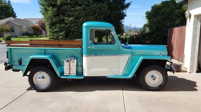 1962 Willys Pickup Jeep